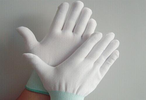 Găng tay phòng sạch giá rẻ