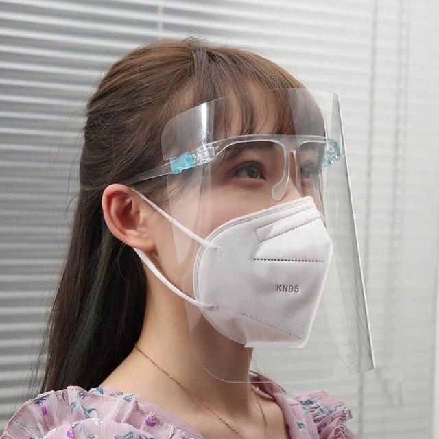 kính bảo hộ y tế 02